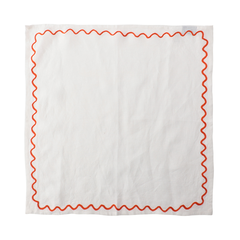 SCALLOPED EMBROIDERED NAPKIN RED 45X45CM