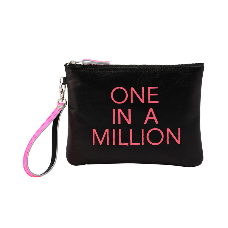 COXCOMB SQUARE POUCH NEON PINK_ONE IN A MILLION