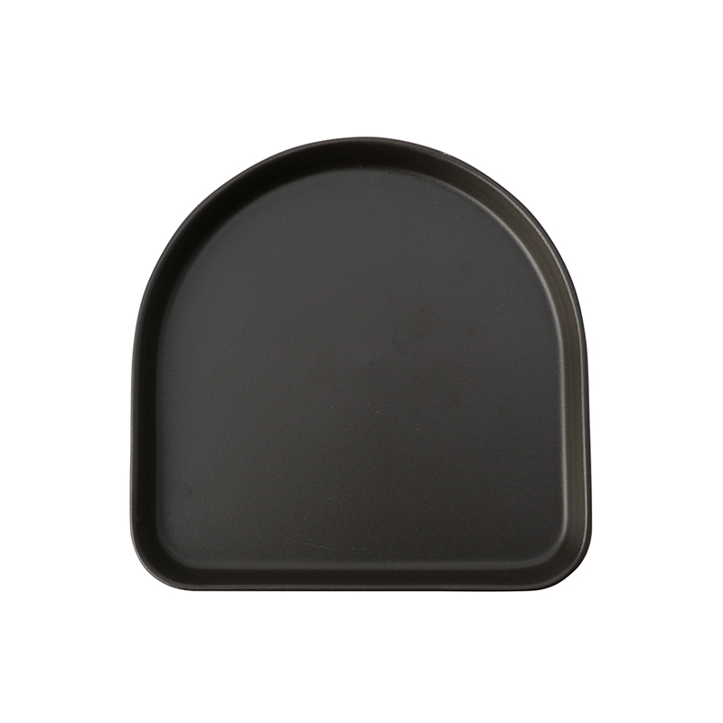 GAIA HALF-LONG PLATE BLACK