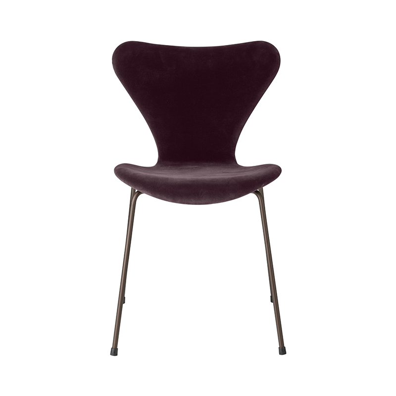 SERIES 7 CHAIR VELVET BELFAST DARK PLUM