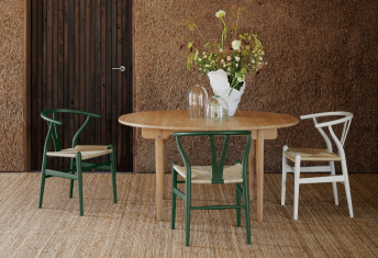 <strong>Carl Hansen & Son dining set campaign</strong>
